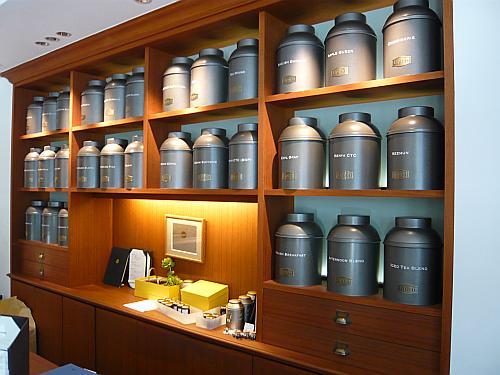 大きな紅茶缶
